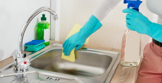 schoonmaken door een goedkoop schoonmaakbedrijf