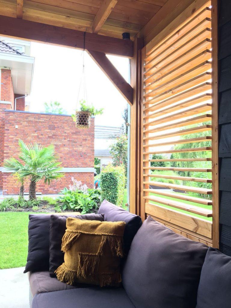 verticaal geplaatste shutters voor buiten